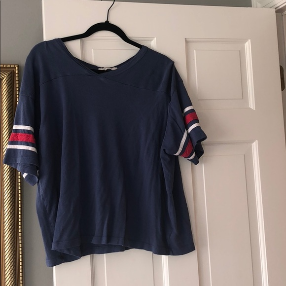 Urban Outfitters Tops - Urban outfitters baseball tee